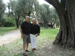 Carole and Bob in front of Renoir's house (museum)